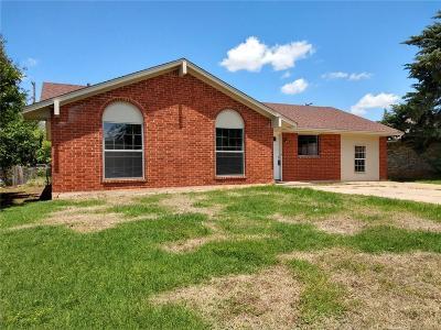 Altus Single Family Home For Sale: 921 Hairston Street