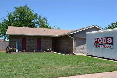 Mustang Single Family Home Pending: 431 W Greenwood Drive