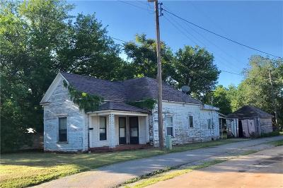 Elk City Single Family Home For Sale: 408 W B Avenue