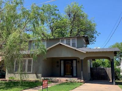 Single Family Home For Sale: 415 W Taylor Street