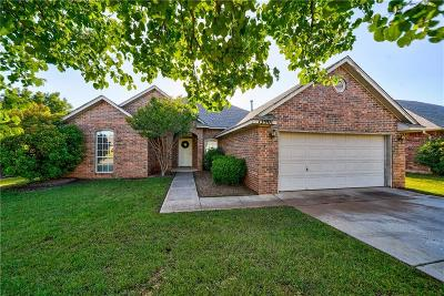Edmond Single Family Home For Sale: 13901 Glen Oaks Place
