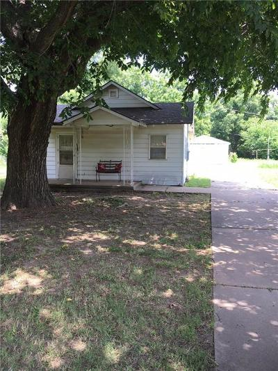 Warr Acres Single Family Home For Sale: 4504 N Grove Avenue