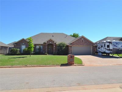 Altus Single Family Home For Sale: 812 Sheryl Lane