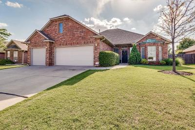 Oklahoma City Single Family Home For Sale: 10705 Cliffe Hollow Drive