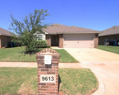 Moore Single Family Home For Sale: 9613 Lauren Place