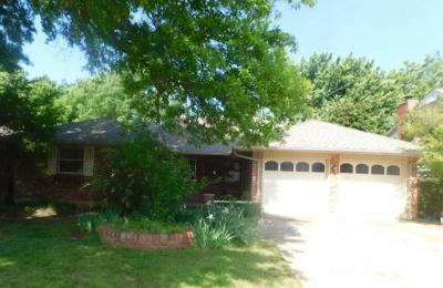 Midwest City Single Family Home For Sale: 3701 Oak Grove Drive
