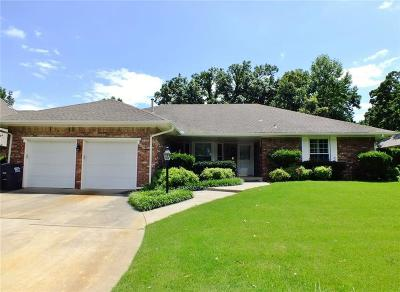 Shawnee Single Family Home For Sale: 65 Sequoyah Boulevard