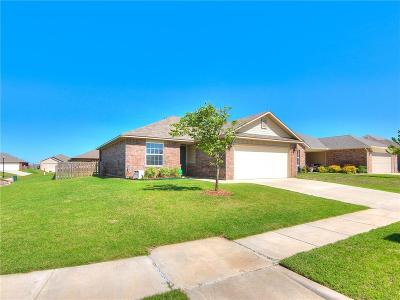 Yukon Single Family Home For Sale: 2928 Sunberry Way
