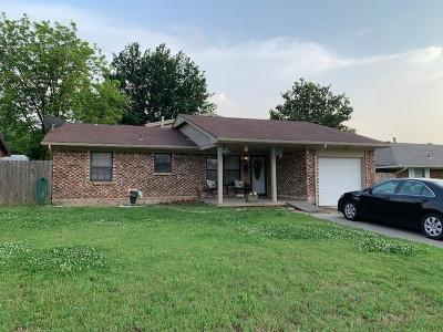 Midwest City Single Family Home For Sale: 1200 W Woodlane Drive