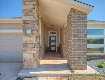Edmond Single Family Home For Sale: 636 NW 182nd Street
