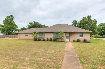Edmond Single Family Home For Sale: 613 E 33rd Street