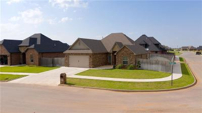 Weatherford Single Family Home For Sale: 921 Freemont Place