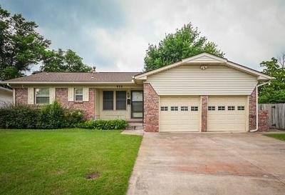 Midwest City Single Family Home For Sale: 932 Stiver Drive