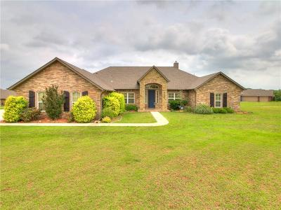 Edmond Single Family Home For Sale: 13690 Valley Ridge