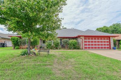 Moore Single Family Home For Sale: 1825 Shelly Court