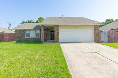 Oklahoma City Single Family Home For Sale: 121 Cypress Drive