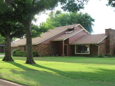 Single Family Home Sold: 2601 Sunset Drive