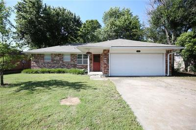 Norman Single Family Home For Sale: 1326 Columbia Circle