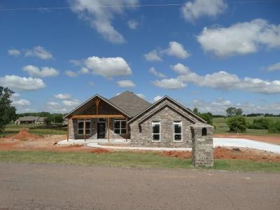 Blanchard OK Single Family Home For Sale: $242,900