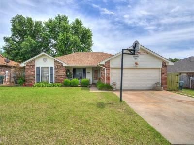 Midwest City Single Family Home For Sale: 11704 Mark Street