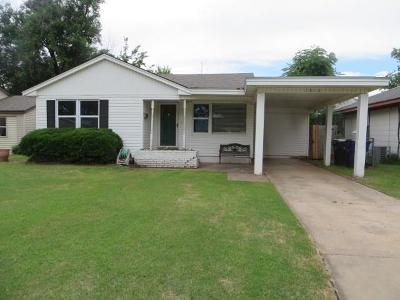 Chickasha Single Family Home For Sale: 1818 S 20th Street