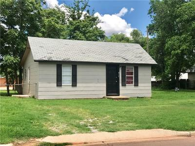 Elk City Single Family Home For Sale: 817 W 7th Street