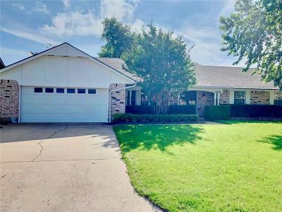 Midwest City Single Family Home For Sale: 3224 N Meadowood Drive