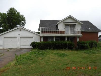 Canadian County, Oklahoma County Single Family Home For Sale: 2800 SE 40th Street