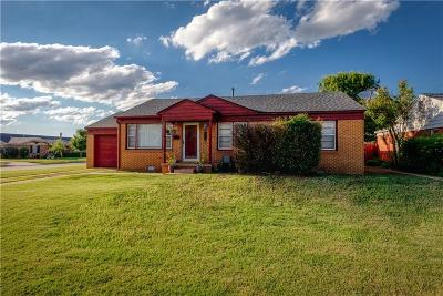 Elk City Single Family Home For Sale: 329 E Hayden Corner