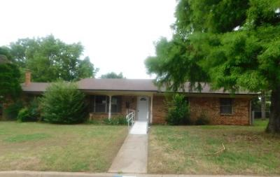 Midwest City Single Family Home For Sale: 1129 W Havenwood Drive