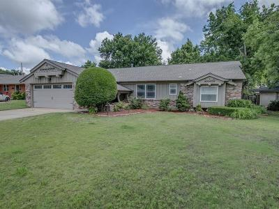Lincoln County, Oklahoma County Single Family Home For Sale: 3105 NW 61st Place