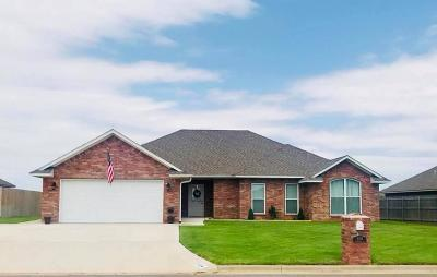 Altus Single Family Home For Sale: 3024 Pronghorn Drive