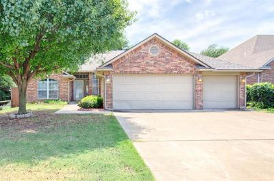 Oklahoma City Single Family Home For Sale: 5204 SE 45th Place