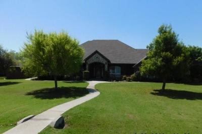 Tuttle Single Family Home For Sale: 410 Chad Drive