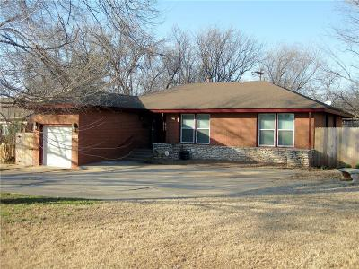 Nichols Hills OK Single Family Home For Sale: $314,900