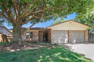 Mustang Single Family Home For Sale: 1212 S Highland Drive