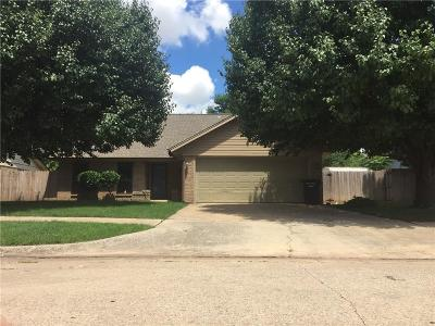 Moore Single Family Home For Sale: 816 N Briarcliff Drive
