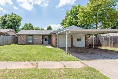 Mustang Single Family Home For Sale: 515 S Forest Drive