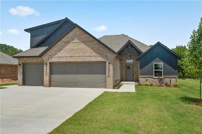 Mustang Single Family Home For Sale: 1711 W Blake Court Way