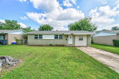 Moore Single Family Home For Sale: 608 SW 14th Street