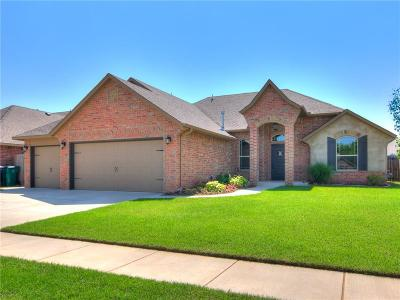 Yukon Single Family Home For Sale: 2241 Timber Crossing