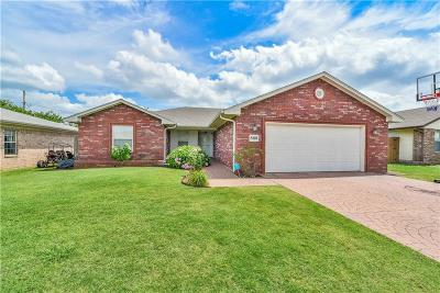 Moore OK Single Family Home For Sale: $169,000