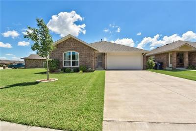 Oklahoma City Single Family Home For Sale: 5702 Clearwater Drive