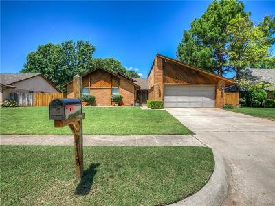 Norman Single Family Home For Sale: 418 Golden Oaks Drive