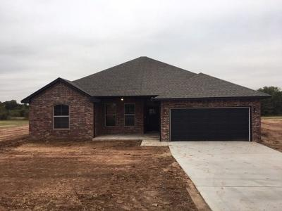 Single Family Home For Sale: 10770 Marion Dr