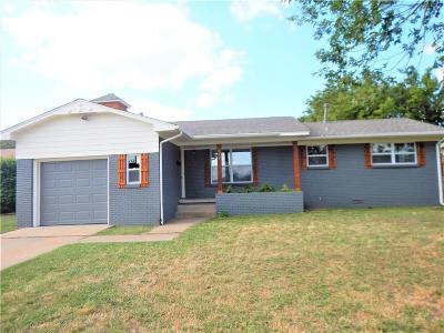 Midwest City Single Family Home For Sale: 413 W Douglas Drive