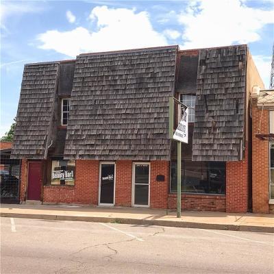 Elk City Commercial For Sale: 210 N Main Street