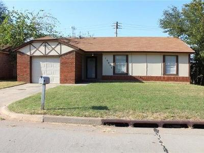 Midwest City Single Family Home For Sale: 10027 Caton Place