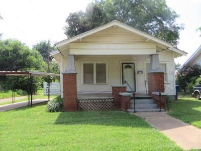 Single Family Home For Sale: 610 S 12 Street