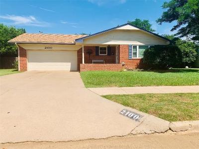 Altus Single Family Home For Sale: 2100 N Bluebird